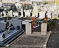 Annappes, deux tombes des soldats morts lors de la Seconde Guerre mondiale.jpg