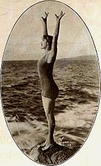 Annette Kellerman - May 1920 MPN.jpg