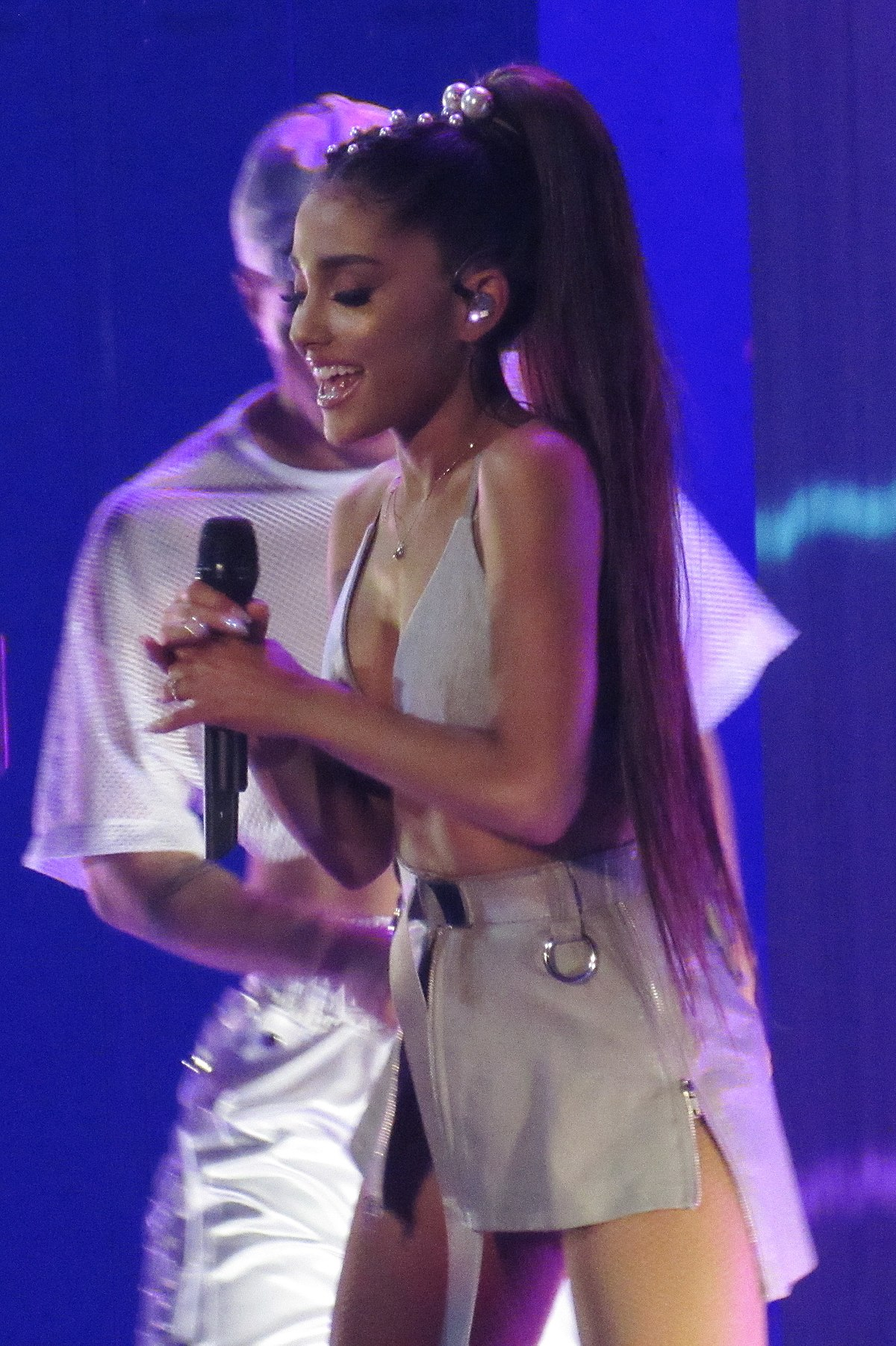 List Of Live Performances By Ariana Grande Wikipedia