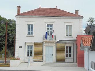 Arue, Landes - Town hall