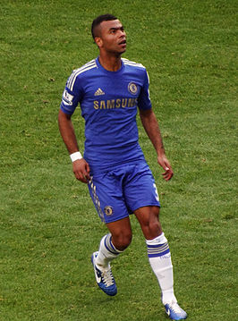 Ashley Cole v Norwich.jpg