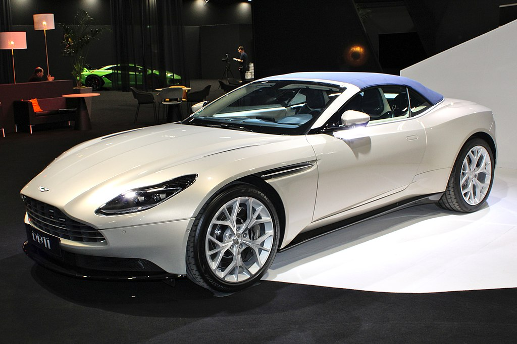 fichier aston martin db11 volante paris motor show 2018 img wikip dia. Black Bedroom Furniture Sets. Home Design Ideas