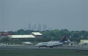 small airplanes at Atlanta Hartsfield Jackson ...