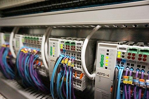 Automate industriel WAGO pour un système de monitoring en industrie pharmaceutique