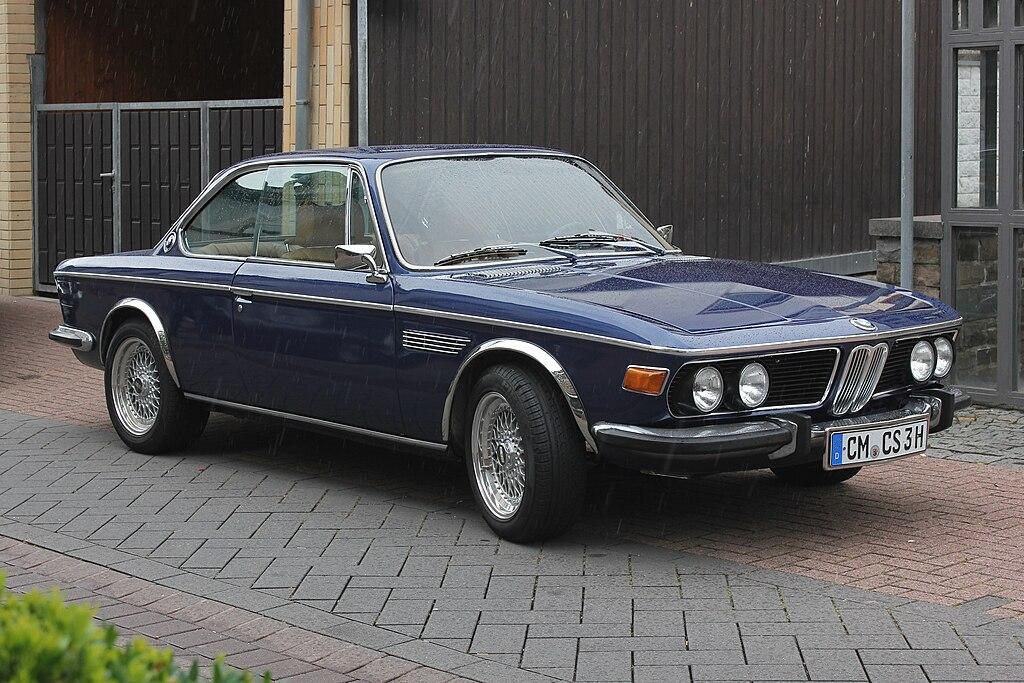 Bmw 1975 >> File:BMW 3,0 CS, Bauzeit 1971-75 (2015-06-21).JPG - Wikimedia Commons