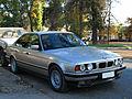 BMW 540i 1994 (15687675722).jpg