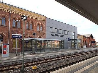 Halberstadt station - Image: Bahnhof Halberstadt (3)