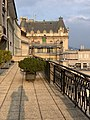 Balcon du Lausanne Palace (et mon ombre).jpg