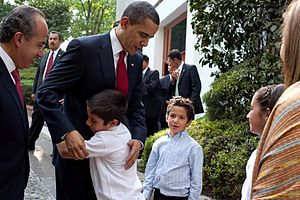 Felipe Calderón - United States President Barack Obama with the family of Mexican President Felipe Calderón in Mexico City on April 16, 2009.