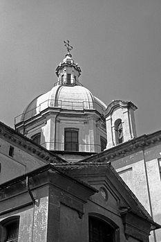 Basilica S. Giovanni 04b&n.jpg