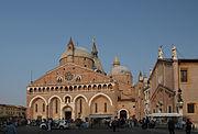 Basilica Santo Antonio in Padova.JPG