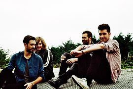 (von links nach rechts: Kyle Simmons, Christopher Wood, Will Farquarson und Dan Smith)