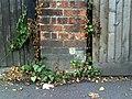 Benchmark on gatepost of ^115 Banbury Road - geograph.org.uk - 2016761.jpg