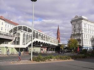 Görlitzer Bahnhof (Berlin U-Bahn) - Görlitzer Bahnhof subway station, seen from Wiener Straße