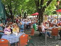 Biergarten Viktualienmarkt (2).JPG
