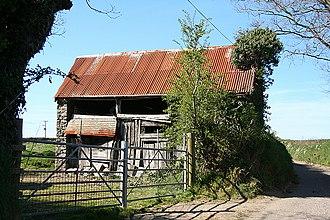 Bishop's Nympton - Bishop's Nympton: decayed barn.