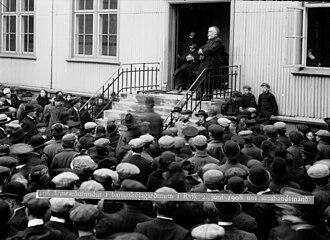 Björn Jónsson - Image: Björn Jónsson, minister of Iceland, gives a speech on June 2, 1908 regarding the autonomy of Iceland vis a vis Denmark