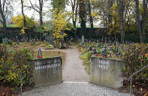 Blick auf Friedhof der Namenlosen