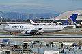 Boeing 747-422 'N107UA' United Airlines (14171616946).jpg