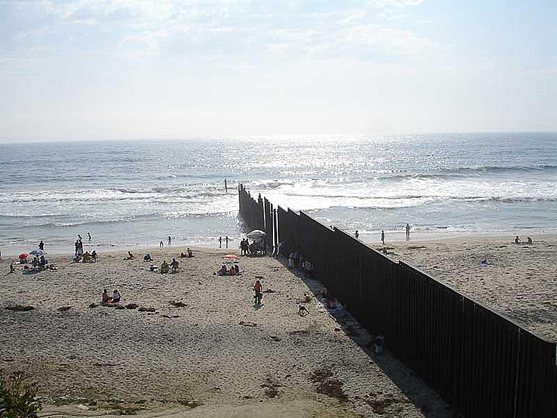 800px-Borderbeachtj.jpg