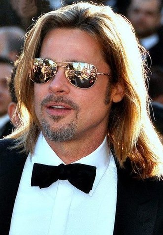 12 Monkeys - Supporting actor Brad Pitt was nominated for an Academy Award for his portrayal of Jeffrey Goines.