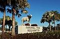 Brahman Bull Statue Yeppen roundabout.jpg