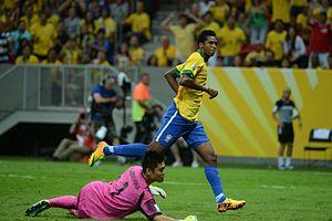 Jô - Jô scoring a goal against Japan at the 2013 FIFA Confederations Cup.