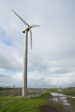 Bellarine Peninsula - Wind generator at Breamlea, built 1987, photo taken in 2007