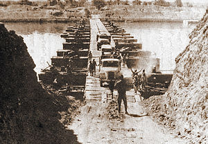 Yom Kippur War - Egyptian forces crossing the Suez Canal on October 7