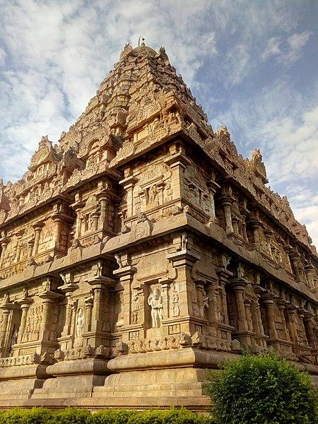 File:Brihadeeshwarar temple Gangaikondacholapuram.jpg