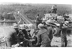 Bundesarchiv Bild 101I-265-0026A-30, Russland, leichte Flak und Panzer