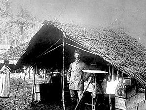 Kamerun - Image: Bundesarchiv Bild 137 003056, Kamerun, Deutscher Landvermesser