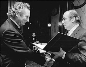 The Turning Point (1983 film) - Frank Beyer (left) receives the Heinrich-Greif-Preis.