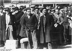 Bundesarchiv Bild 183-B10817, Frankreich, Paris, verhaftete Juden