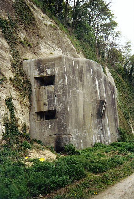 Eben-Emael: the Belgians hoped to severely delay the Germans using such fortifications Bunker Kanal Nord 2.jpg