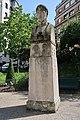 Buste Pierre de Ronsard, square Auguste-Mariette-Pacha, Paris 5e 2.jpg