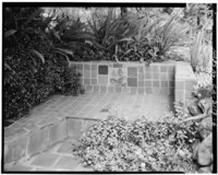 CERAMIC TILE BENCH AT RIGHT OF ENTRANCE - Casa Tierra, 15231 Quito Road, Saratoga, Santa Clara County, CA HABS CAL,43-SARA,1-6.tif