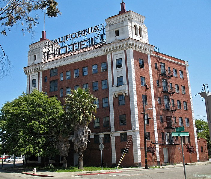 File:California Hotel (Oakland, CA).JPG