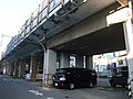 Car park on Tokaido Shinkansen viaduct in Tsunashima.jpg