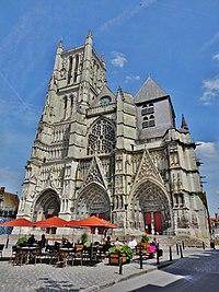 Cathédrale Saint-Etienne de Meaux..JPG