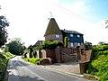 Catt Oast, Catt's Hill, Stone In Oxney, Kent - geograph.org.uk - 575771.jpg