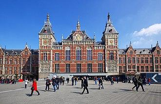 Binnenstad (Amsterdam) - Image: Centraal Train Terminal Amsterdam, Holland panoramio