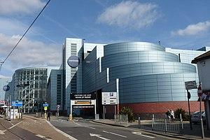 Centrale (Croydon) - Centrale has its own tram stop