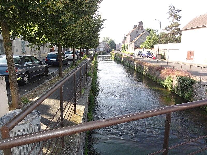 France commune de bernes sur oise for Piscine chambly