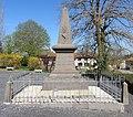 Chaumont-le-Bourg - Monument aux morts.jpg