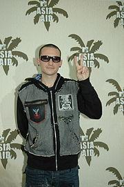 Chester Bennington beim MTV Asia Aid im Jahr 2005
