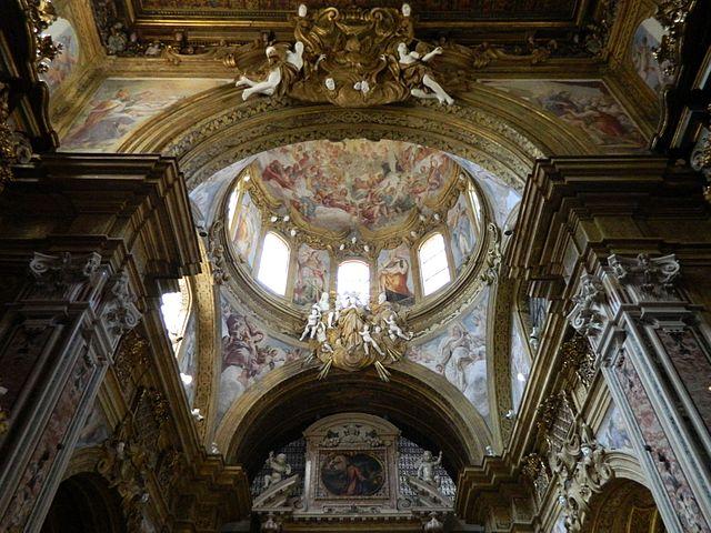Coupole et fresques de l'église San Gregorio Armeno à Naples. Photo de E. della Morte