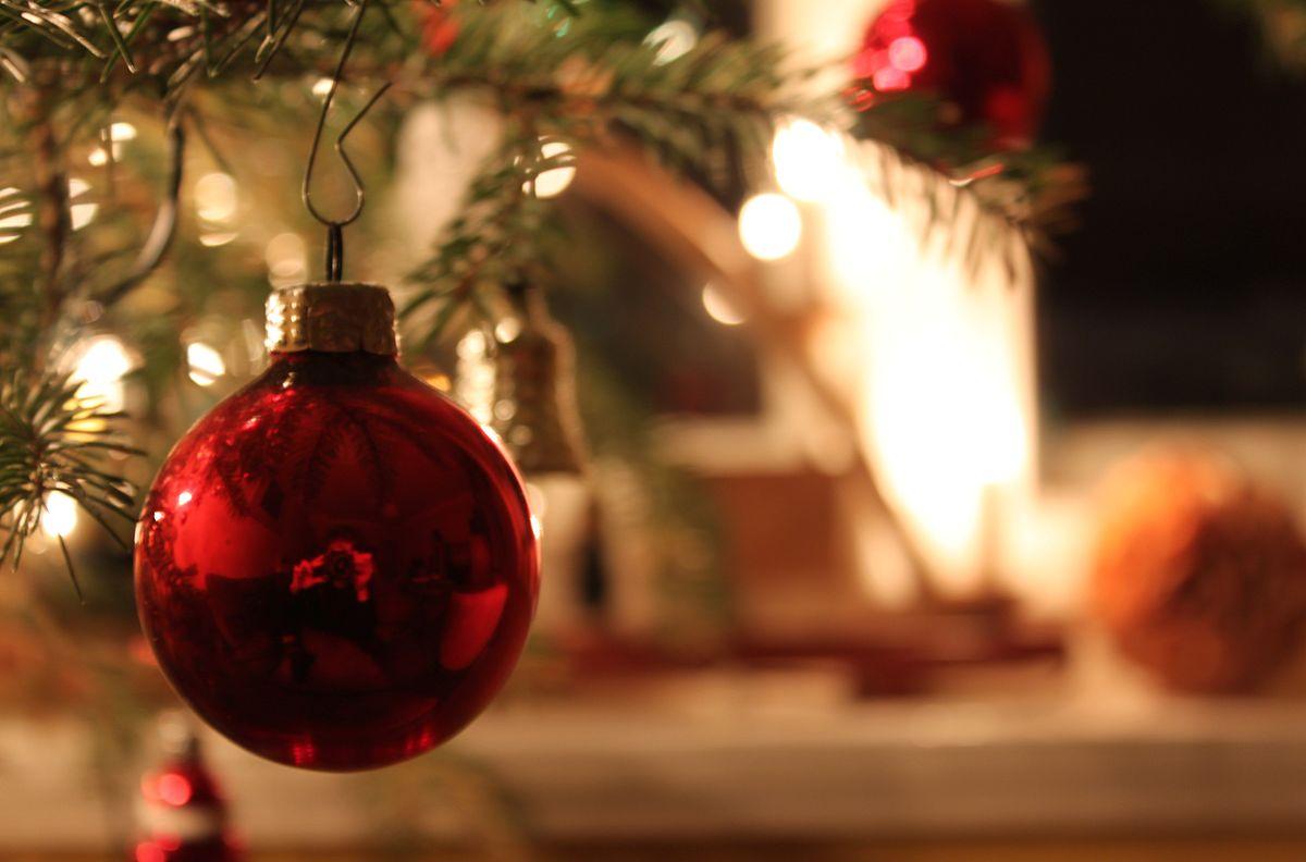 Christbaumschmuck wikipedia - Bilder weihnachtskugeln ...