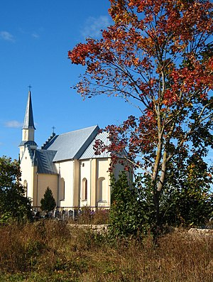 Church of the Holy Apostles Peter and Paul in Ražanka (2.10.2011).jpg