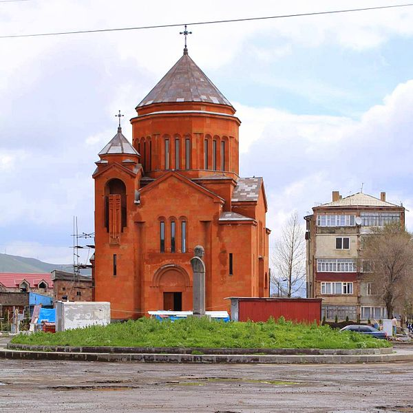 Fil:Church of the Holy Archangels, Sevan4.jpg
